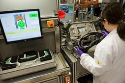 Produção reduzida por falta de chips, como na Bosch, em Braga, fez subir layoff
