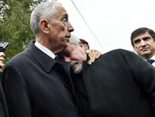 Jorge Dias confortado por Marcelo no dia após a tragédia