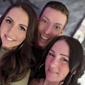 Marco com as namoradas Jessica e Kamila