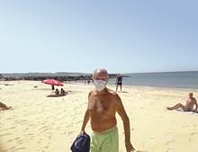 Marcelo Rebelo de Sousa aproveita hora de almoço na praia