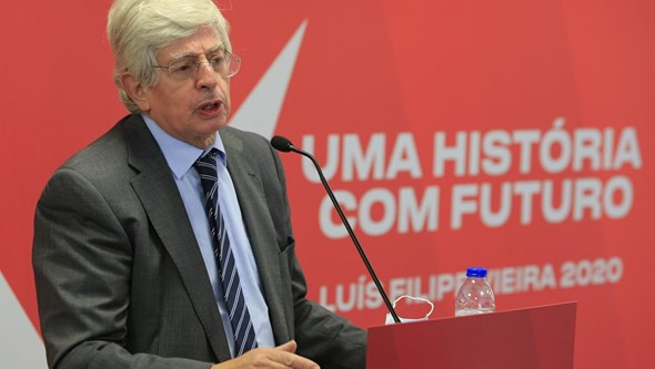 Presidente da mesa da assembleia-geral do Benfica demite-se em conflito com Vieira