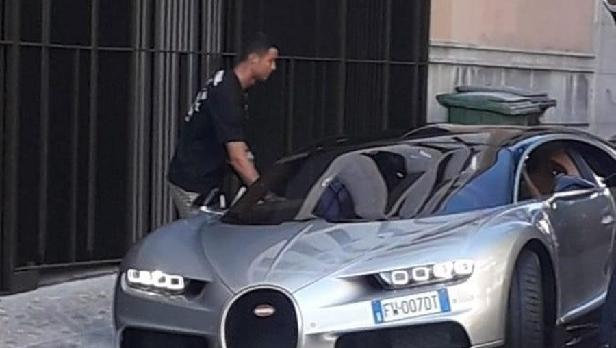 Cristiano Ronaldo apanhado a passear em Lisboa em carro de luxo que pode superar os 400 km/h