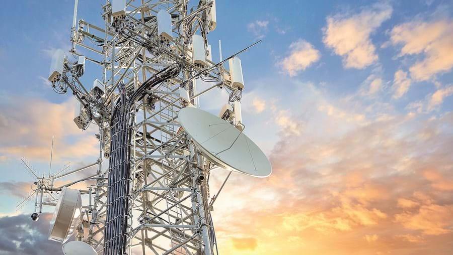 Leilão do 5G abriu nova guerra entre a Anacom e as operadoras de telecomunicações Altice (Meo), Nos e Vodafone