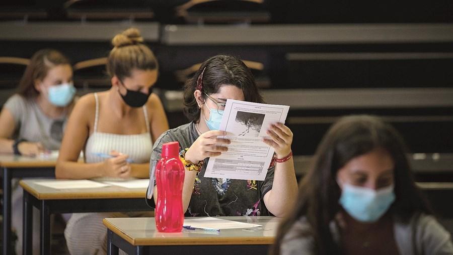 Estudantes devem ter vida mais difícil nos exames nacionais deste ano, cuja primeira fase arranca no dia 2 de julho