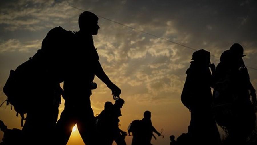 EUA detiveram mais de 180.000 migrantes na fronteira sul, um recorde mensal