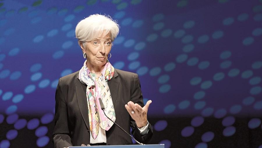 Banco Central Europeu espera que atividade económica acelere no segundo semestre do ano, recuperando de meses de travagem devido à pandemia