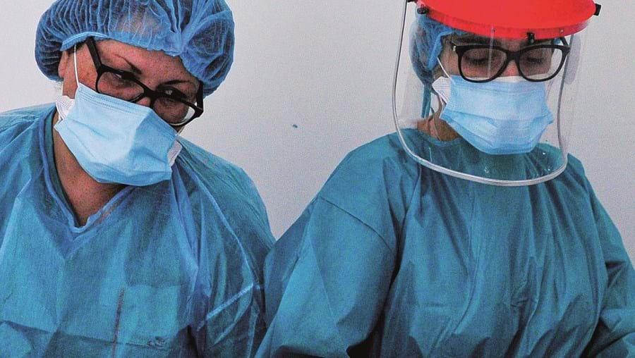 Doentes em Cuidados Intensivos subiram de 13 para 32 num mês, na região de Lisboa e Vale do Tejo