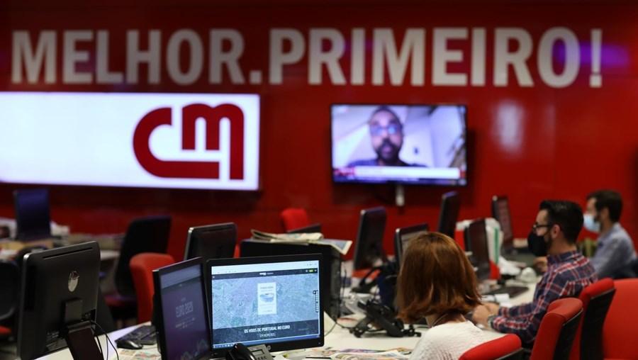 Líder na internet, papel e televisão: o CM é o preferido dos portugueses no online, é o jornal diário mais lido, com uma quota de 63%, e a CMTV é a televisão mais