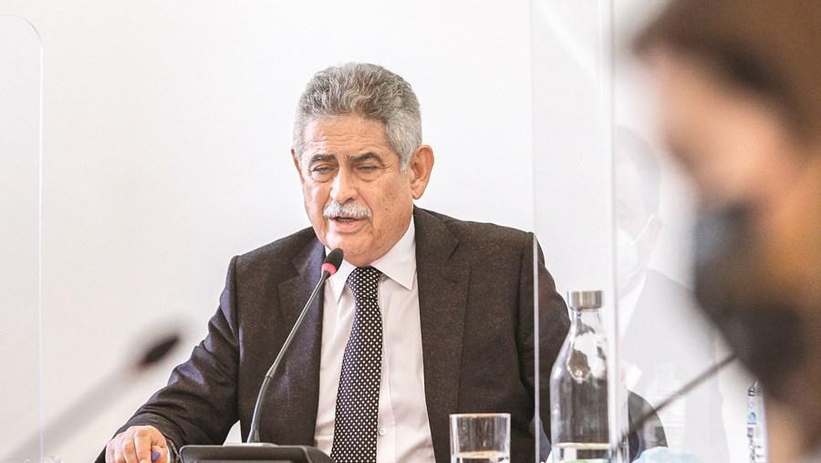 Luís Filipe Vieira a prestar depoimento na comissão de inquérito