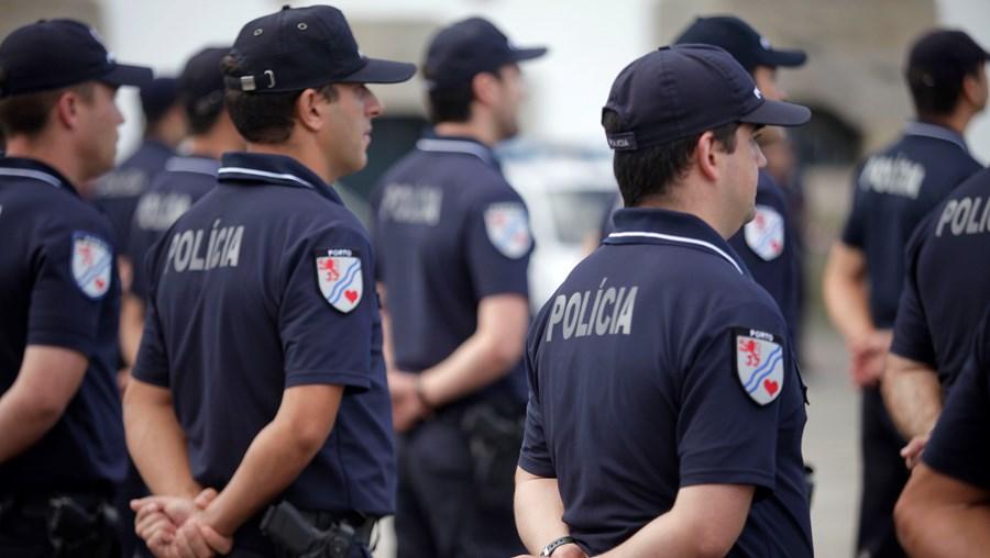 Agente da PSP está colocado numa esquadra do Comando Metropolitano do Porto