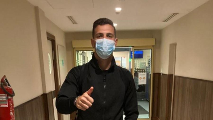 Diogo Dalot já está na Hungria para substituir Cancelo infetado com Covid-19