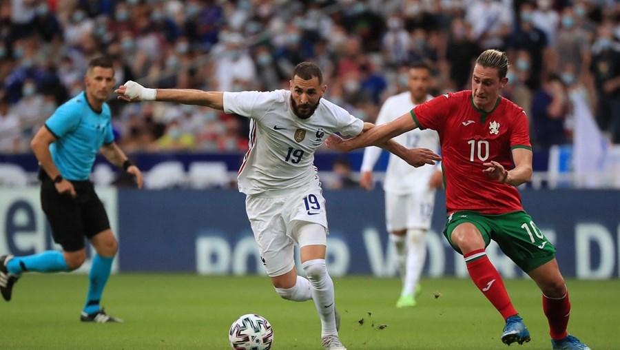 Benzema em ação no jogo de preparação da seleção de França, frente à Bulgária (3-0), na passada terça-feira