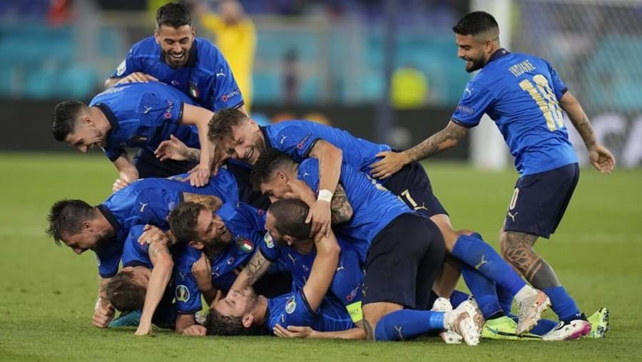 Itália bate Suíça e é a primeira apurada para os oitavos de final do Euro 2020