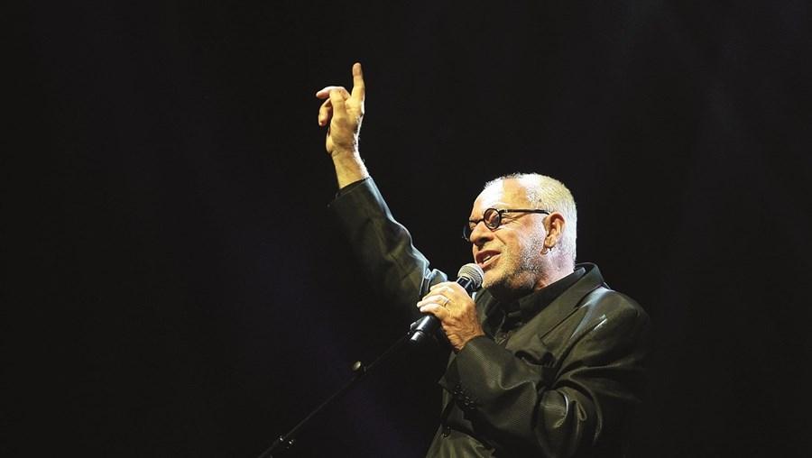 Paulo de Carvalho Cantor faz 60 anos de carreira.