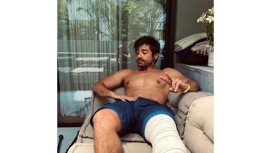 Lourenço Ortigão sofre aparatoso acidente de mota