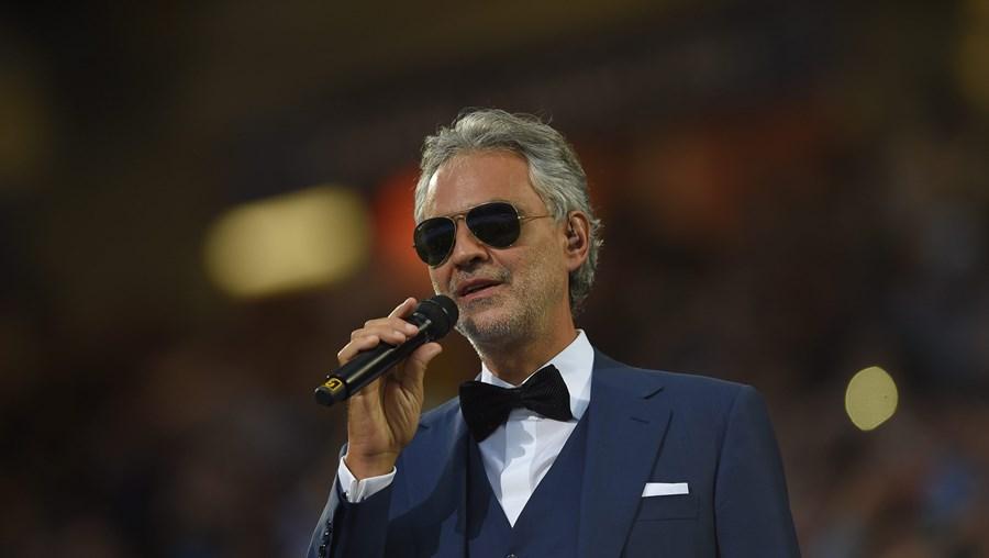Andrea Bocelli está de volta a Portugal. É o seu primeiro concerto num estádio do nosso país