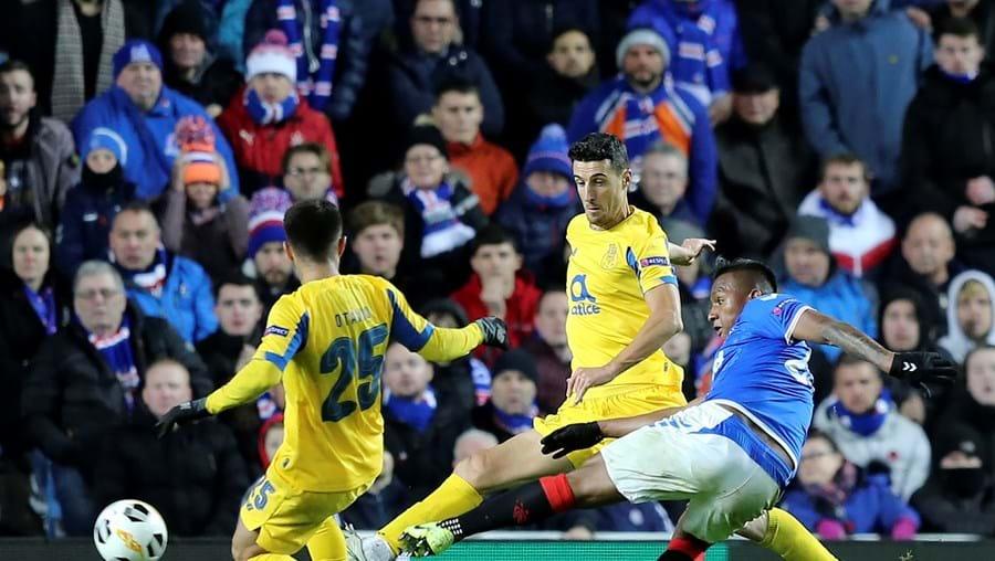 Morelos é seguido por Sérgio Conceição desde a eliminatória para a Liga Europa com o Rangers