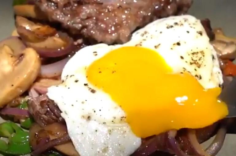 Carne de porco com ovos: Gordon Ramsay gera controvérsia ao cozinhar 'pequeno-almoço português'
