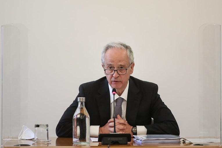Fernando Ulrich, ex-CEO do BPI, diz que o o problema do BES foi bem resolvido, evitando-se uma crise sistémica