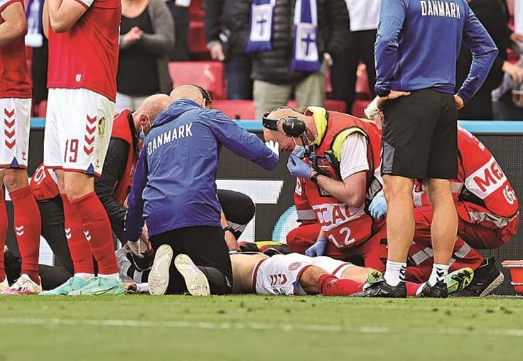 Eriksen foi socorrido com prontidão no relvado