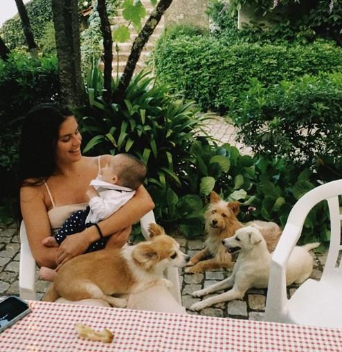 Sara Sampaio aproveita férias em família
