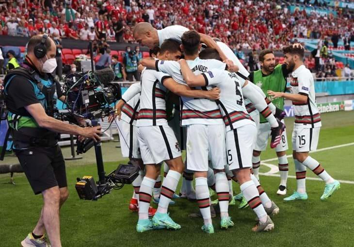 As imagens dos festejos dos jogadores no Puskás Aréna