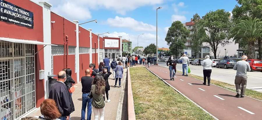 Sintra com registo de longas filas para a vacina, em Ouressa, Mem Martins