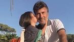 Família e amigos reunidos em casa de Tony Carreira no Algarve