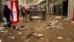 Centro comercial saqueado e violência nas ruas após prisão do ex-presidente Zuma na África do Sul