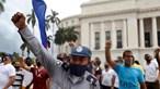 Cuba acorda sem internet, com dezenas de detidos e presidente a chamar 'mercenários' a manifestantes