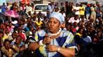 Ministra quer mais 25 mil militares para conter violência e pilhagens em África do Sul