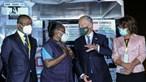 Portugal entrega a Angola primeira remessa de 50 mil vacinas contra a Covid-19