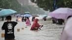 Pelo menos 25 pessoas morreram nas inundações causadas por chuva torrencial na China