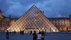 Franceses 'sem medo' da Covid-19 nos museus e cinemas graças ao passe sanitário