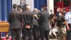 Marcelo discursa emocionado na homenagem aos dois bombeiros mortos em acidente