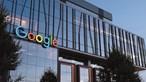 Google e Facebook exigem vacina a trabalhadores. Biden diz que alternativa são testes regulares