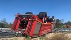 Dois bombeiros feridos em despiste e capotamento de autotanque na Figueira da Foz