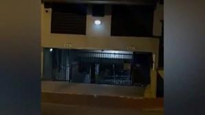 Vídeo mostra jorro de água em prédio de Miami momentos antes da derrocada