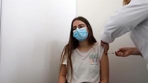 DGS lança caos na vacinação jovem contra Covid-19