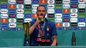 """""""Sede"""" de Bonucci dá que falar na conferência de imprensa da final do Euro 2020"""