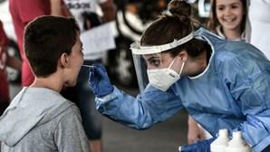 Grécia determina vacinação Covid-19 obrigatória para profissionais de saúde
