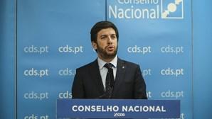 """Francisco Rodrigues dos Santos diz que situação do CDS """"não é uma crise, é a democracia a funcionar"""""""
