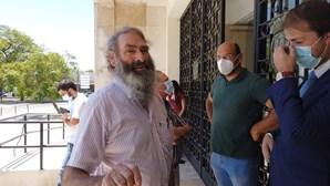 Homem condenado por invadir Câmara de Abrantes munido de um gravato