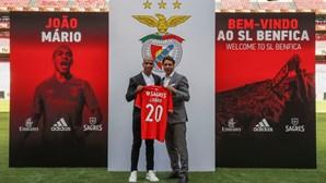 """""""Jesus foi determinante na escolha"""": João Mário apresentado no Benfica"""