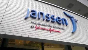 Infarmed levanta suspensão de lote de vacina da Janssen