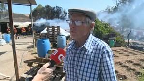 """""""Não fiquei ferido porque tenho muita prática"""": Idoso ajudou bombeiros a lutar contra as chamas em Monchique"""