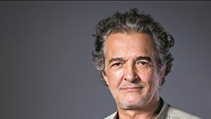 """Estado clínico do ator Rogério Samora """"é grave"""" após ataque cardíaco"""