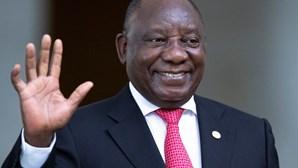 Presidente da África do Sul assinala 35.º aniversário da morte de Samora Machel