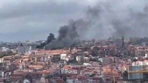 Incêndio no Palácio da Justiça no Porto. Edifício evacuado