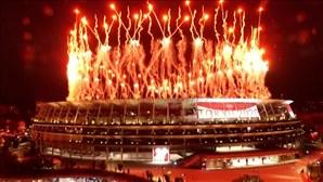 Fogo de artifício iluminou Estádio Nacional de Tóquio na abertura dos Jogos Olímpicos